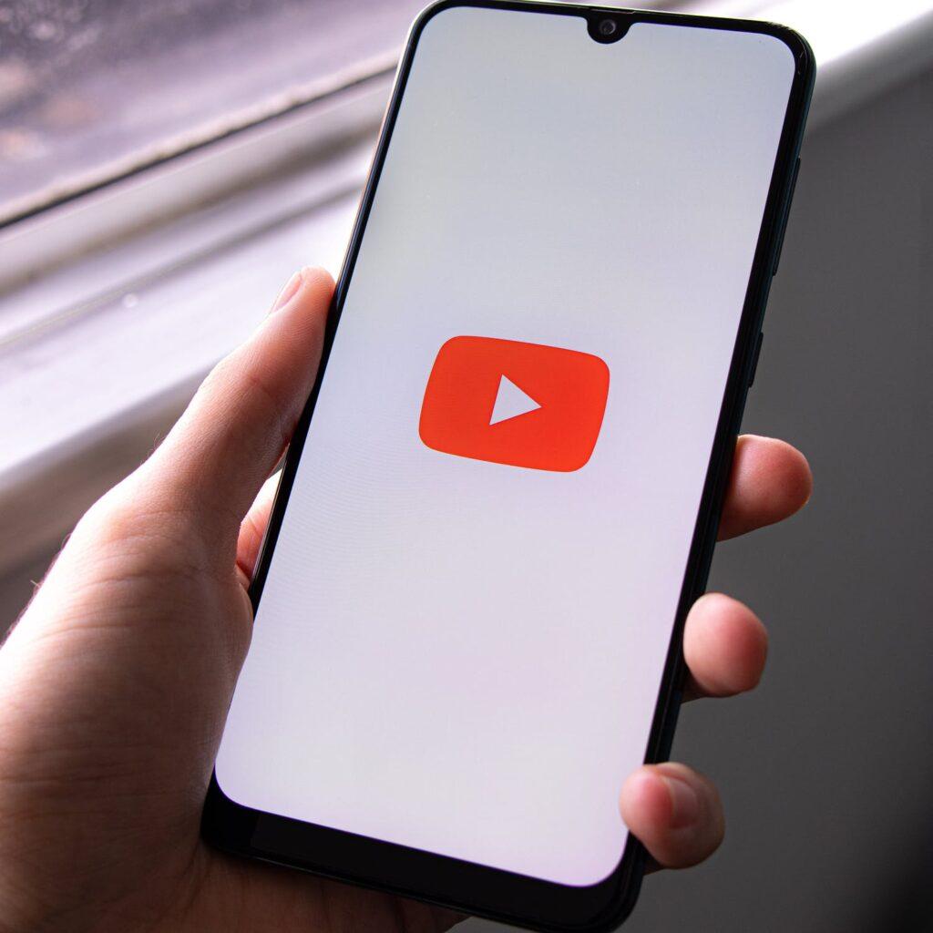 stronność polityczna YouTube
